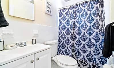 Bathroom, 112 SW 20th St, 2