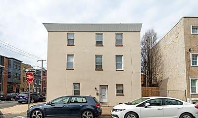 Building, 2401 Catharine St, 2