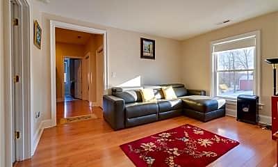 Living Room, 921 Worthington Ridge, 1