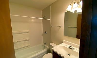 Bathroom, 1320 Frederick St, 2
