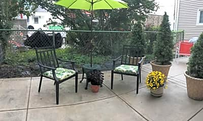 Patio / Deck, 158 Pearl St, 1