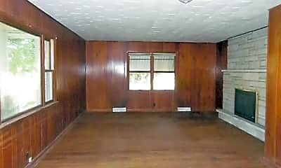 Living Room, 404 W Market St, 1
