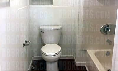 Bathroom, 1916 Linden Ave, 2