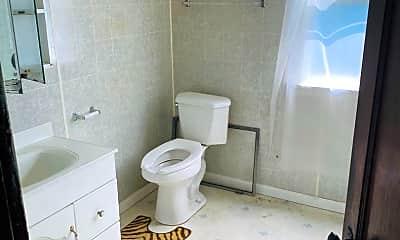 Bathroom, 849 Spruce Ave, 1