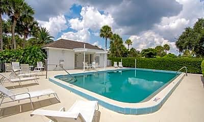Pool, 300 N Harbor Dr 501D, 2
