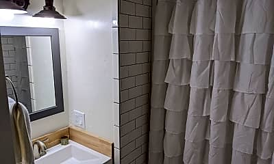 Bathroom, 539 SE Edgewater Lane, 1