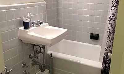 Bathroom, 210 E 47th St, 0