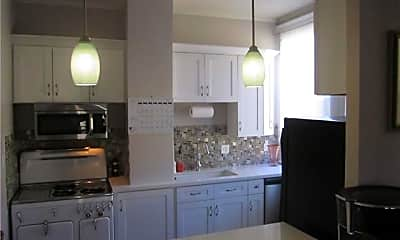 Kitchen, 8318 Sycamore St, 1