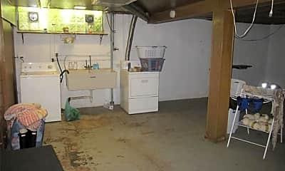 Kitchen, 5547 Cherokee St, 2
