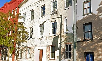 Building, 106 N Potomac St, 2