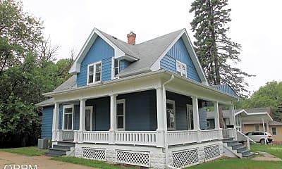 Building, 840 Grace St, 2