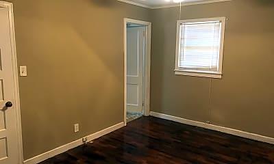 Bedroom, 105 N Bennett St, 2