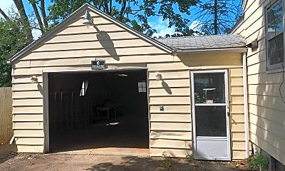 Building, 2599 Longview Ave, 1
