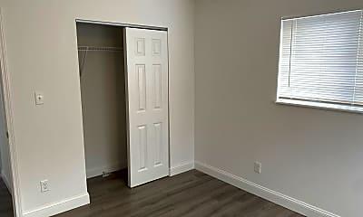 Bedroom, 807 Courtois St, 2