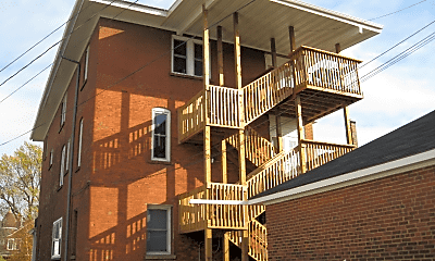 Building, 1105 Hammond Ave, 1