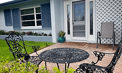 Patio / Deck, 1108 SW 24th Ave, 2