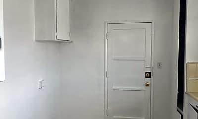 Bathroom, 1259 West Blvd, 2