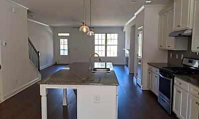 Kitchen, 1327 Hillcrest Dr, 1