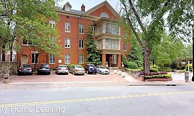 Building, 229 N Poplar St, 1