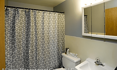 Bathroom, 502 30th Ave N, 2