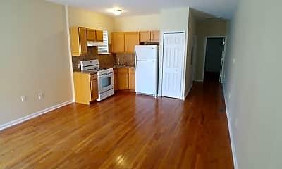 Living Room, 2520 S Iseminger St, 1