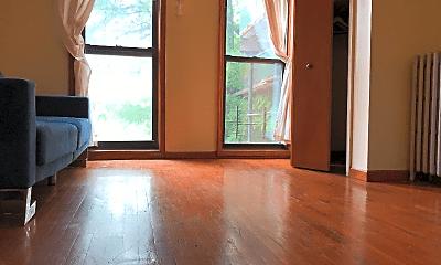 Living Room, 225 Madison St, 2