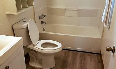 Bathroom, 814 Rancheria Dr, 2