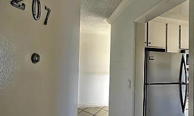 Bathroom, 3627 Bagley Ave, 2
