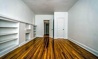 Living Room, 8000 S Ellis Ave, 1