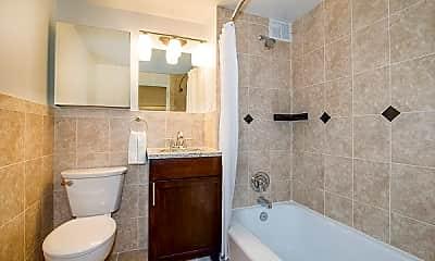 Bathroom, 5618 Venice St, 2