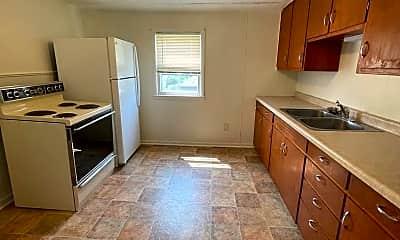 Kitchen, 160 Gruenwald Ave, 1