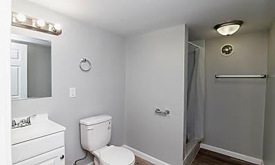Bathroom, 1518 E McCarty St, 1