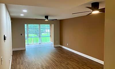 Living Room, 4510 Overlook Dr NE Apt 221, 1
