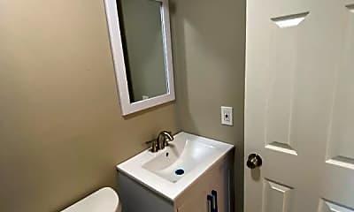 Bathroom, 623 E Expressway 83, 2
