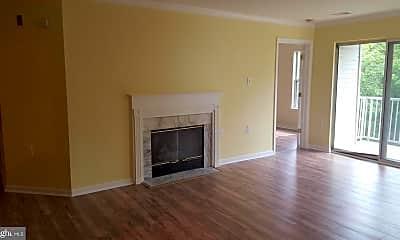 Living Room, 12912 Churchill Ridge Cir 5-K, 1