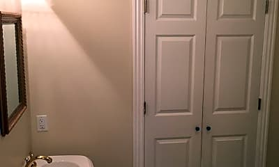 Bathroom, 96 Hedge Dr, 2