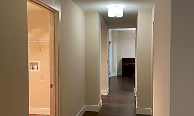 Bathroom, 4905 S Elberon St, 2