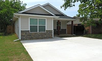 Building, 818 N Throckmorton St, 1