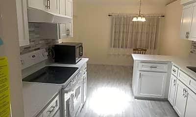 Kitchen, 329 San Carlos Ave, 2