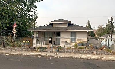 Building, 1121 E 9th St, 0