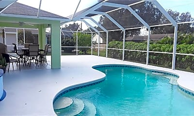 Pool, 382 Benchor St, 1