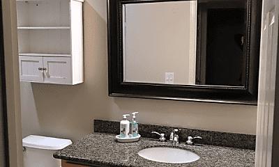 Bathroom, 646 Acacia Ln, 2