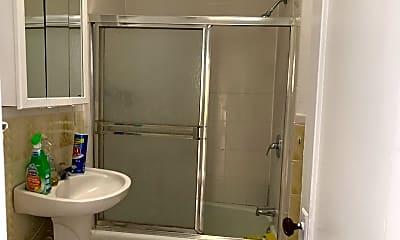 Bathroom, 117 Plandome Rd, 2