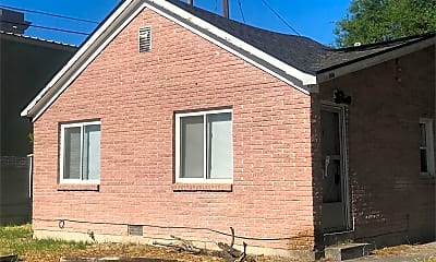 Building, 3198 400 E, 0