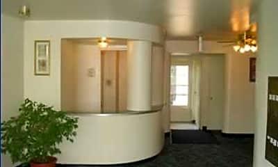 Missouri Apartments, 1