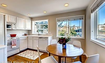 Dining Room, 426 NE Maple Leaf Pl, 1