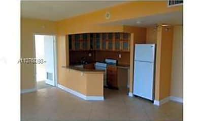 Kitchen, 1720 Harrison St 10D, 1