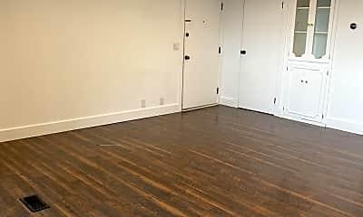 Living Room, 265 N Vine St, 1