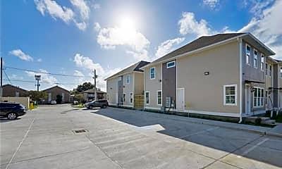 Building, 4412 Barnett St C, 2