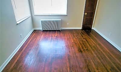 Living Room, 7159 Eastlawn Dr, 2